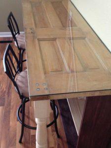 Volet recyclé en table unique et personnalisée